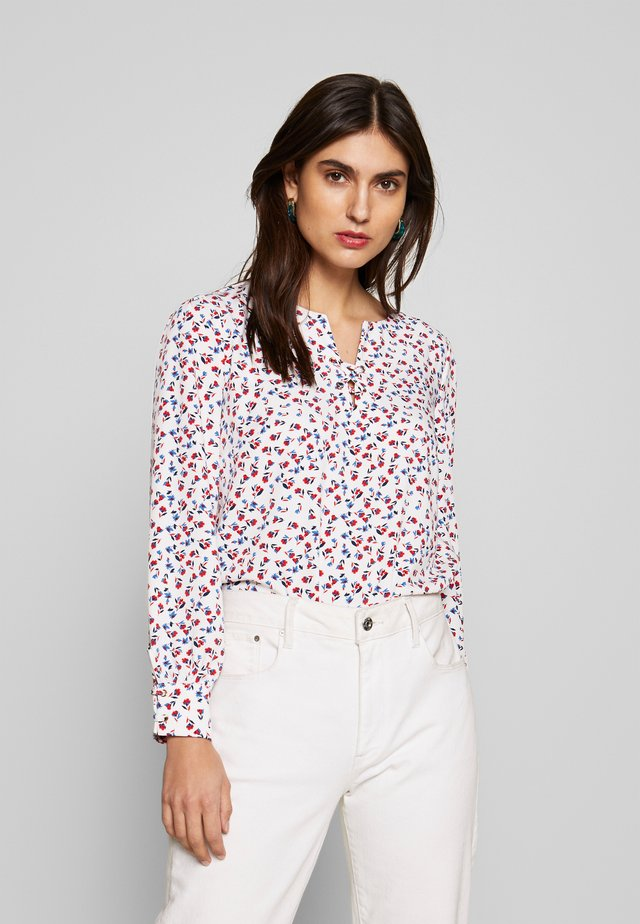 CREW NECK BASIC BLOUSE WITH EYELETS DETAILS IN COLLAR - Blouse - white