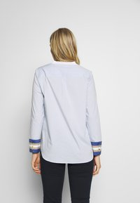 Cortefiel - POPLIN WITH CONTRAST COLLAR AND CUFFS - Blusa - light blue - 2