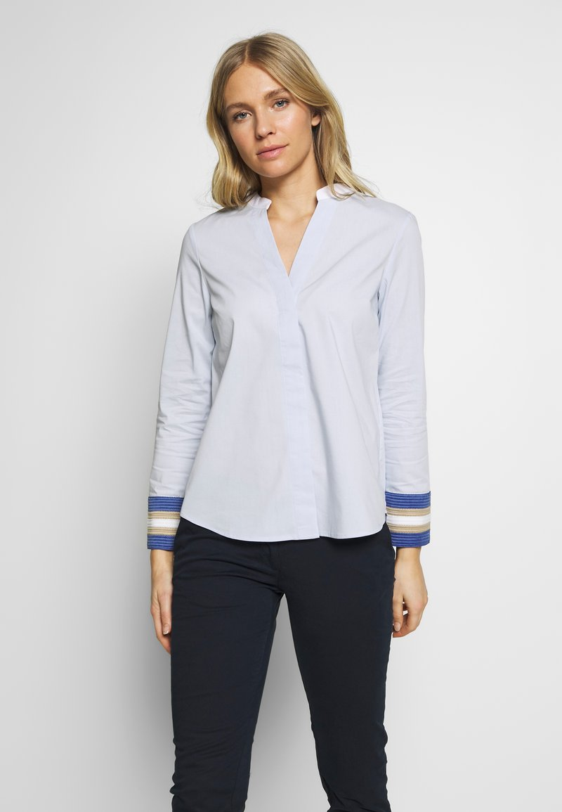 Cortefiel - POPLIN WITH CONTRAST COLLAR AND CUFFS - Blusa - light blue