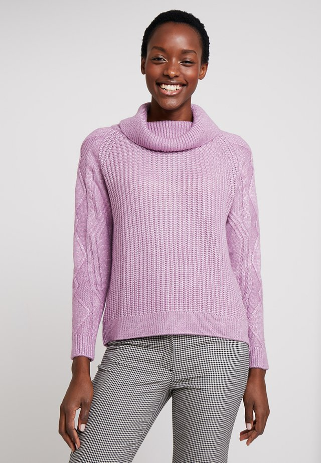 WIDE NECK THICK JUMPER WITH CABLE DETAILS IN SLEEVES - Jersey de punto - pinks