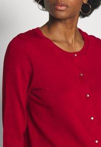 Cortefiel - CREW NECK BASIC - Cardigan - red - 4