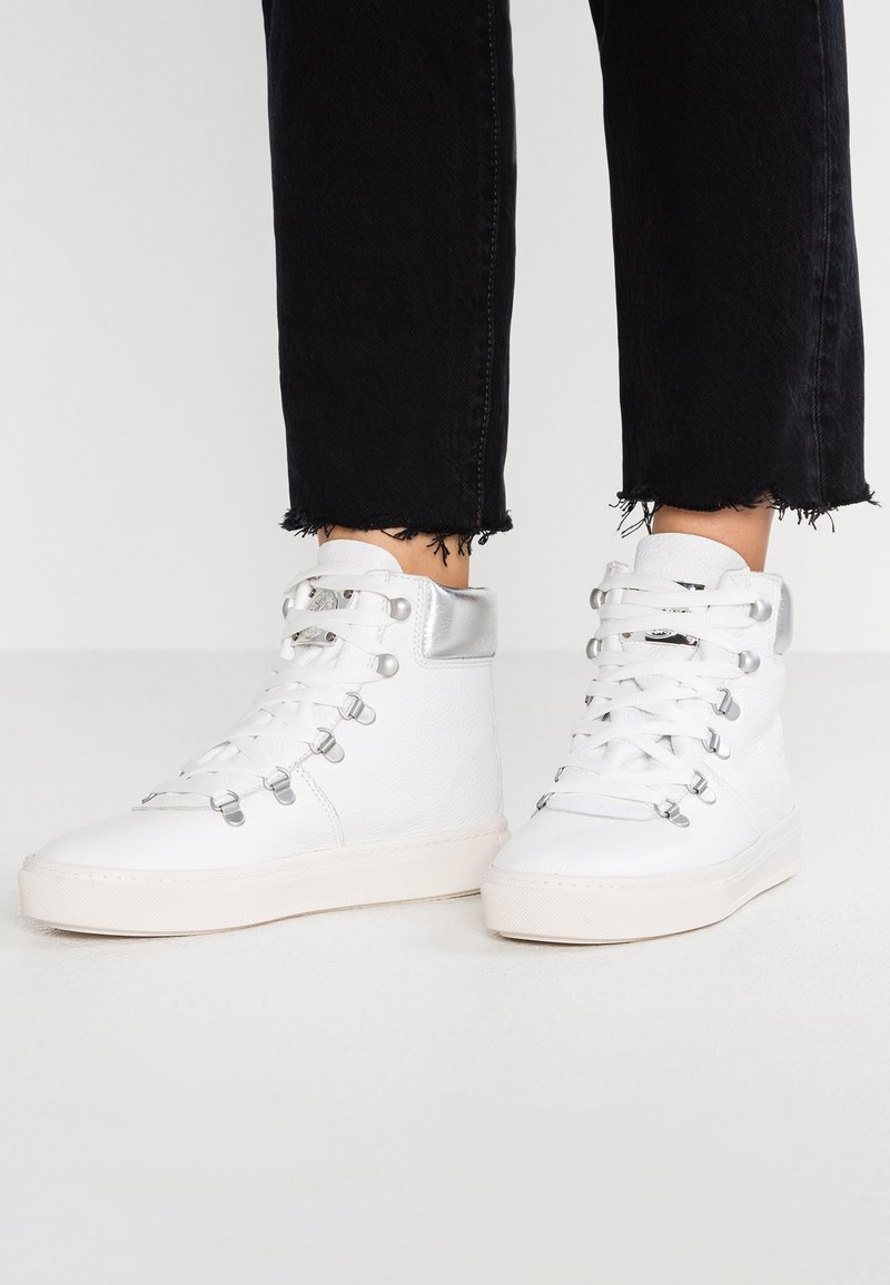 Darkwood - Lace-up ankle boots - white