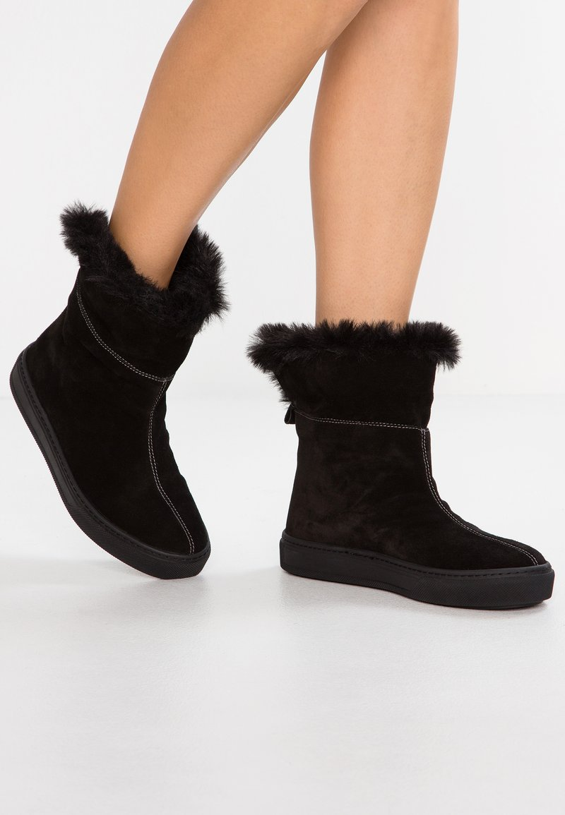 Darkwood - Classic ankle boots - black