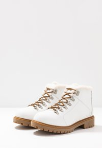 Darkwood - Kotníková obuv - white - 4