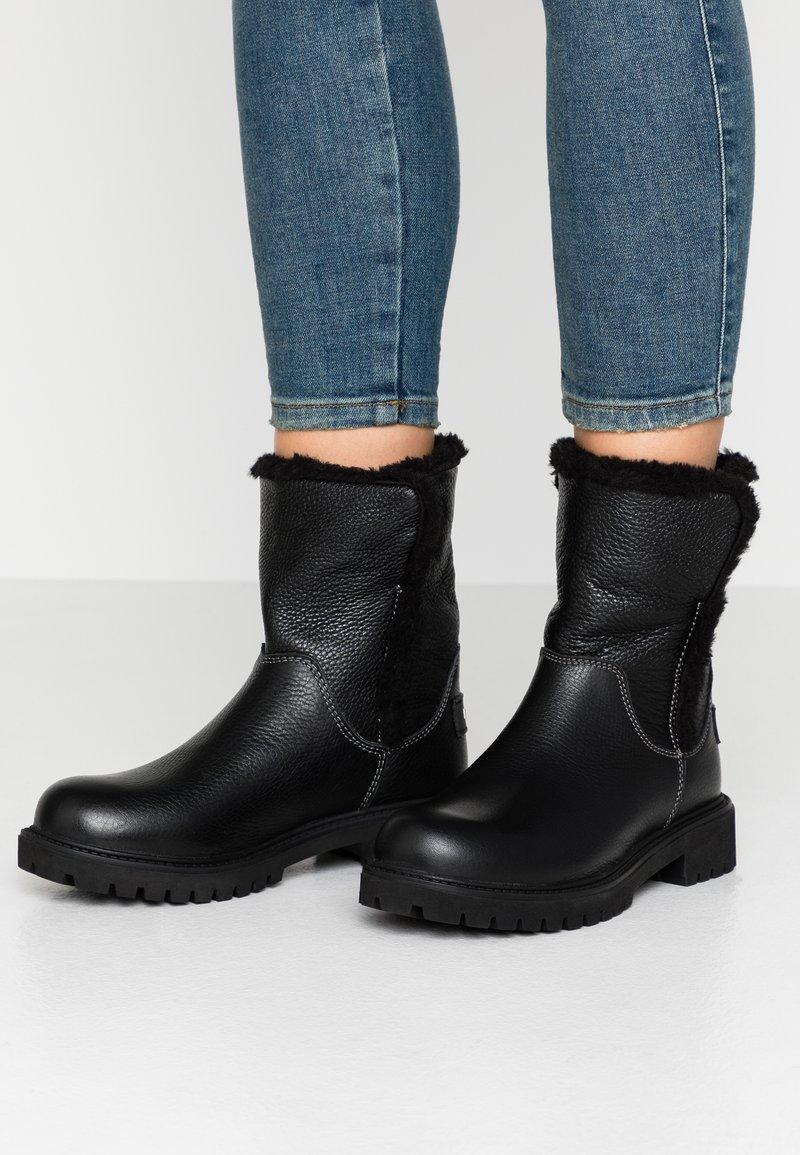 Darkwood - Winter boots - black