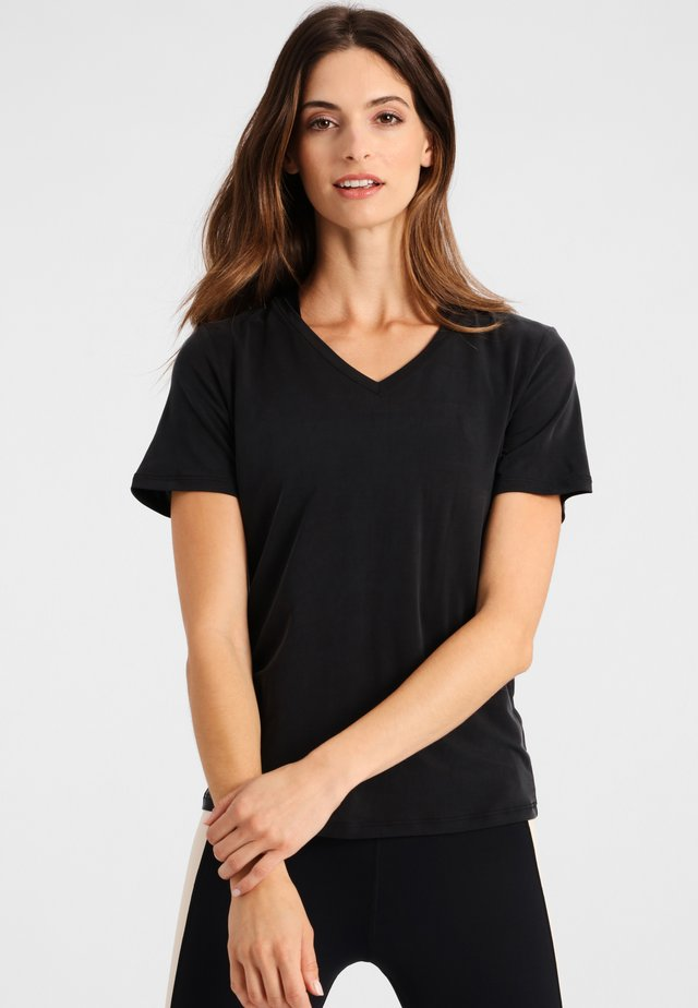 OLIVIA - T-shirt basic - black
