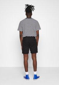 D-STRUCT - GROVE - Shorts - black - 2