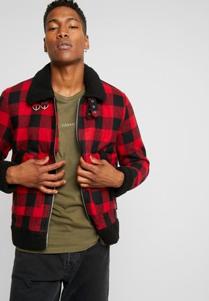 COYOTE - Light jacket - red