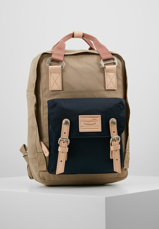 MACAROON - Tagesrucksack - almond/nautical