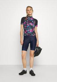 Dare 2B - ELABORATE - T-Shirt print - active pink/black - 1