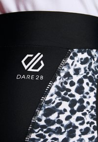 Dare 2B - WORLDLY CAPRI - 3/4 sportsbukser - black/white - 6