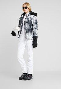 Dare 2B - EFFUSED PANT - Spodnie narciarskie - white - 1