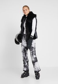 Dare 2B - EFFUSED PANT - Snow pants - monochrome - 1