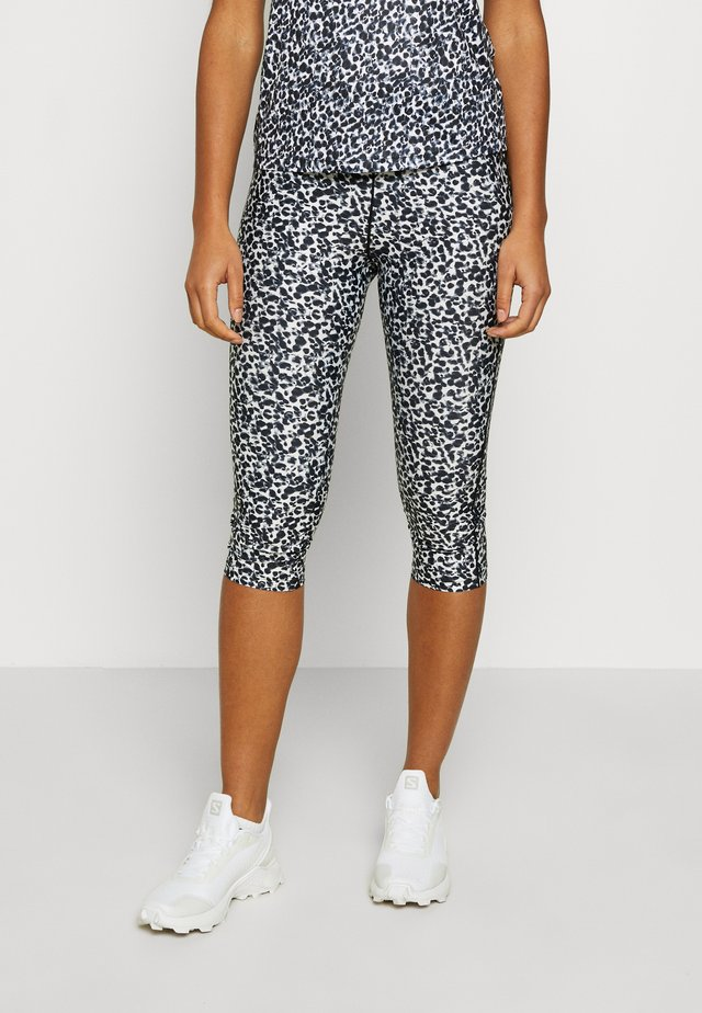 INFLUENTIAL - 3/4 sports trousers - white