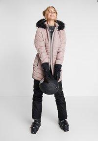 Dare 2B - STRIKING JACKET - Skijakke - mink pink - 1