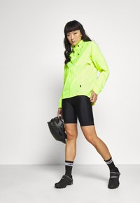Dare 2B - MEDIANT - Windbreaker - fluro yellow - 1