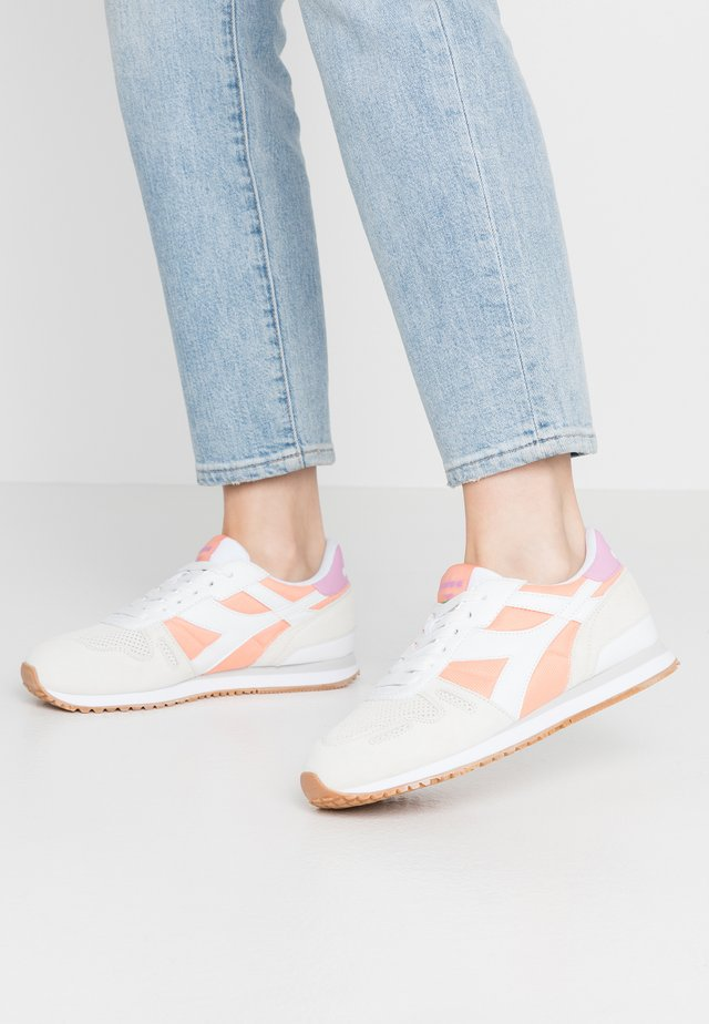 TITAN SOFT - Sneaker low - white/canteloupe