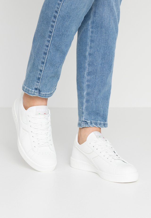 GAME  - Sneaker low - white/gray