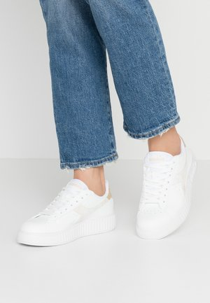 GAME STEP  - Trainers - white/frosted almond