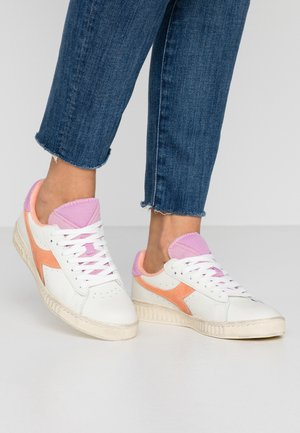 GAME USED - Sneakers laag - cantaloupe/pastel lavander
