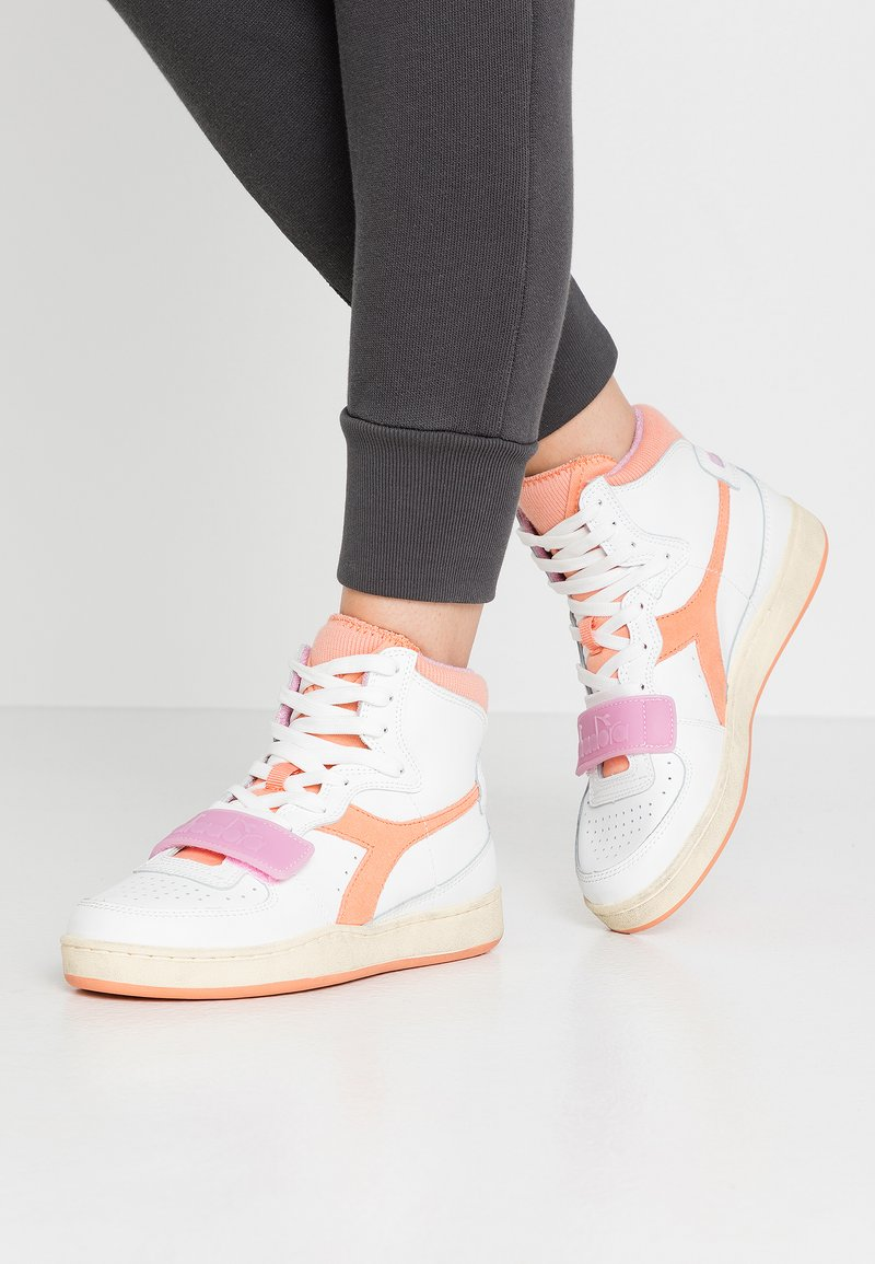 Diadora - BASKET USED - Sneakers laag - cantaloupe/pastel lavander