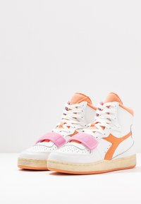 Diadora - BASKET USED - Sneakers laag - cantaloupe/pastel lavander - 4