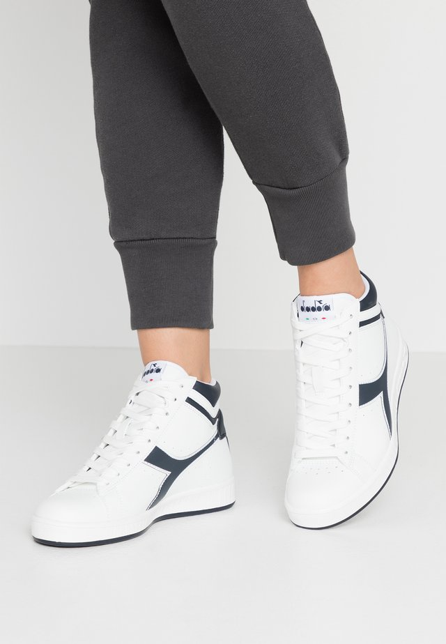 GAME  - Høye joggesko - white/blue denim