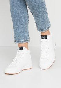 Diadora - GAME  - Sneakers hoog - white - 0