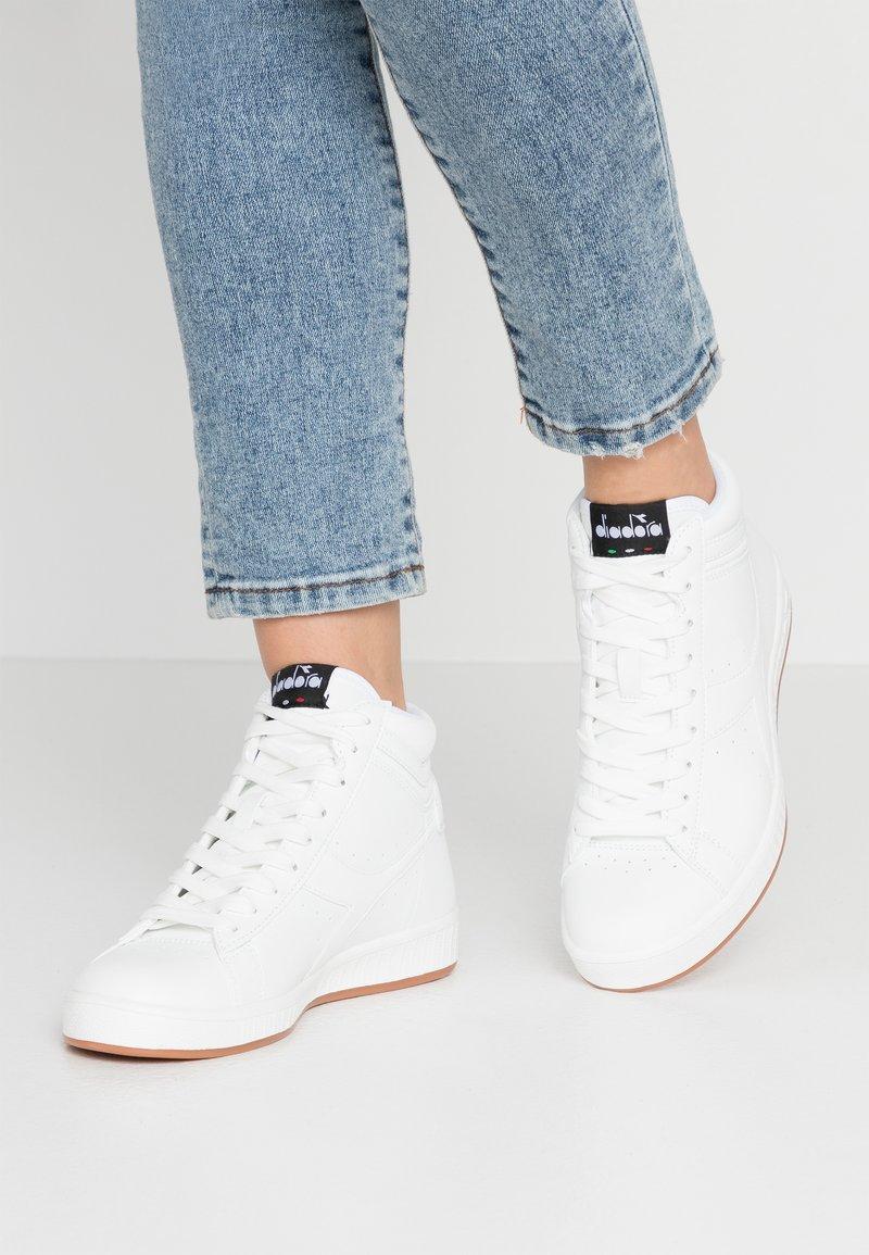 Diadora - GAME  - Sneakers hoog - white
