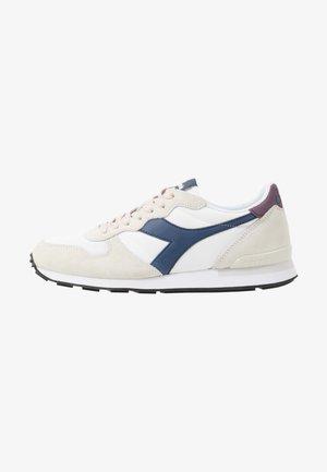Sneakers - white/blue estate