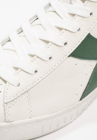 Diadora - GAME WAXED - Sneakers hoog - white/fogliage - 5