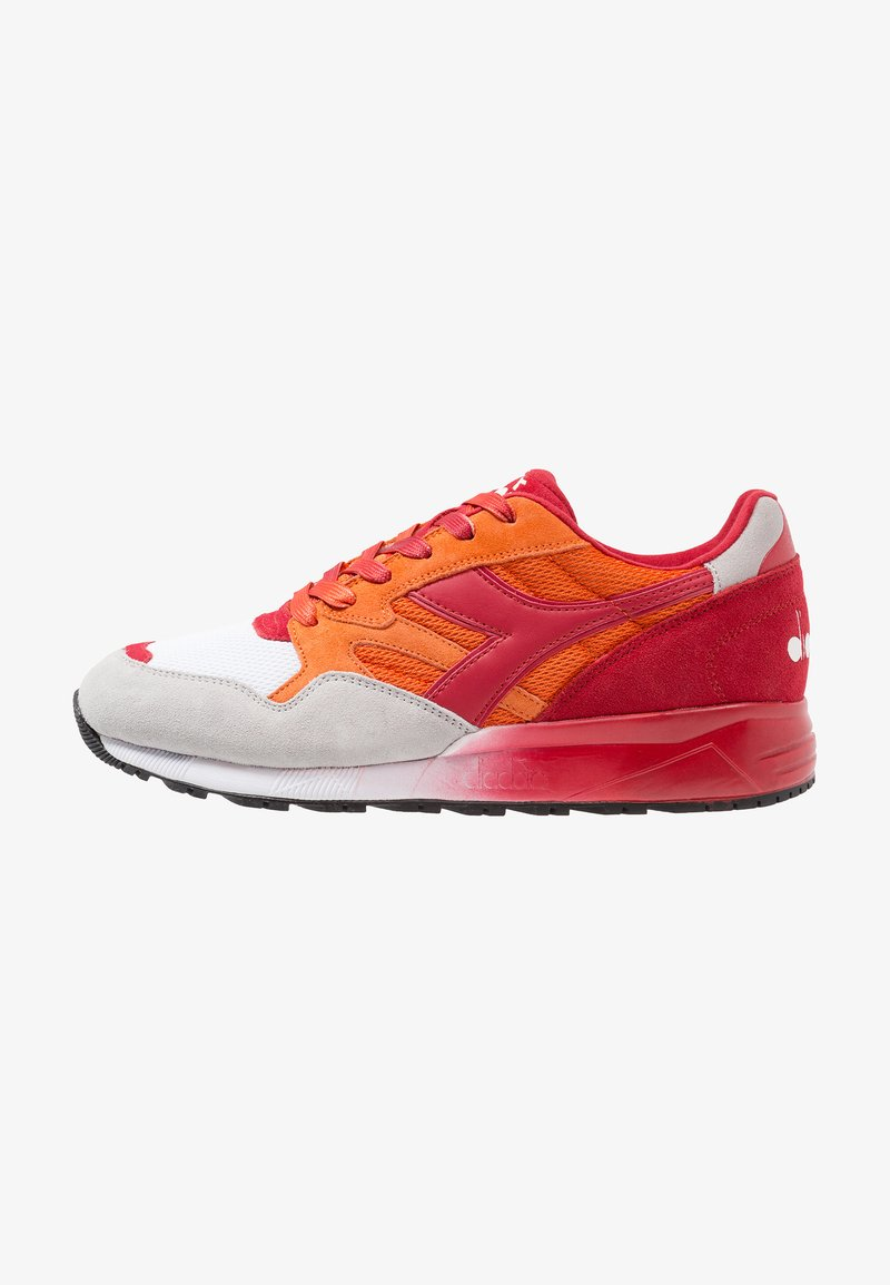 Diadora - N902 SPECKLED - Sneaker low - carrot/tango red