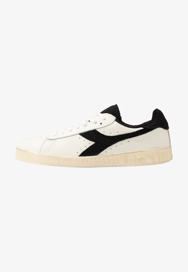 GAME USED - Trainers - white/black
