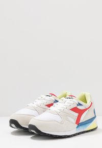 Diadora - Matalavartiset tennarit - white/dark red - 2