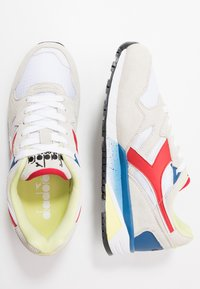 Diadora - Matalavartiset tennarit - white/dark red - 1