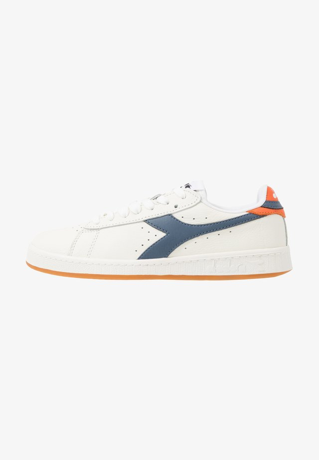 GAME LOW - Sneakers laag - white/dark denim/golden poppy