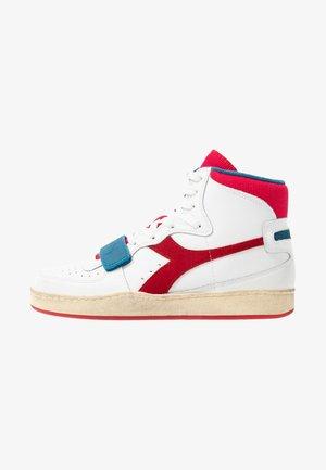 MI BASKET USED - Sneakers hoog - white/dark red