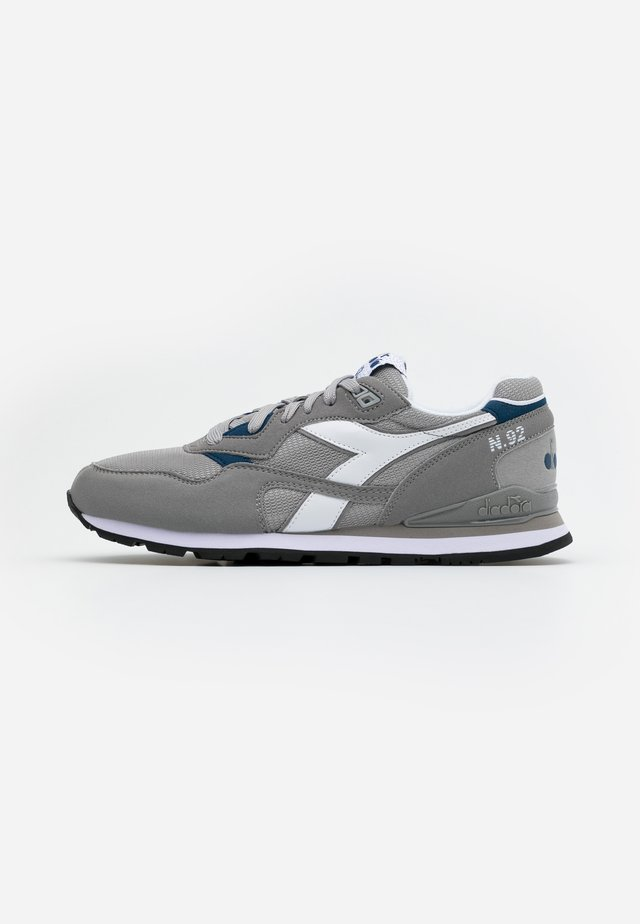 N.92 - Sneakersy niskie - paloma grey/white