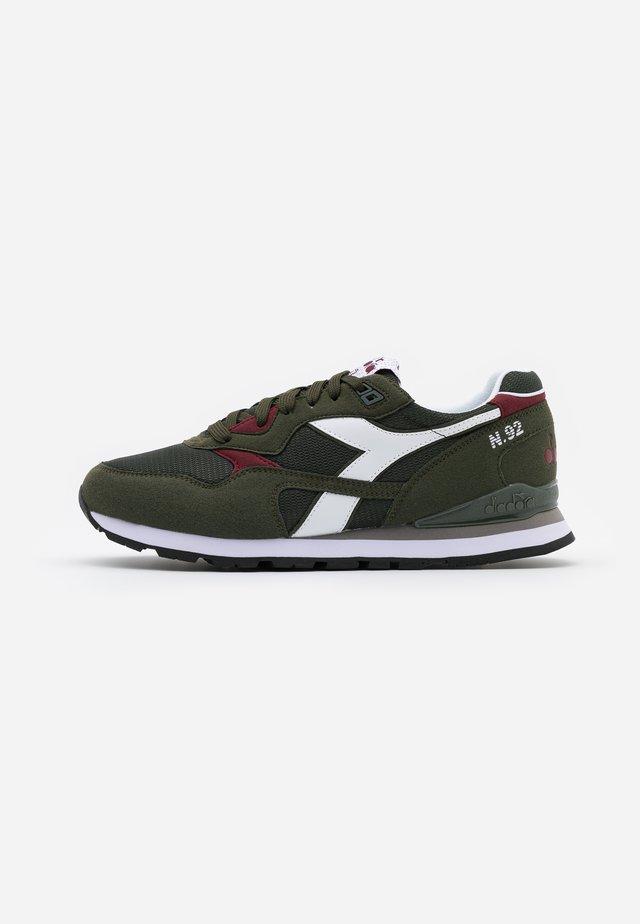 N.92 - Sneakers - green oil