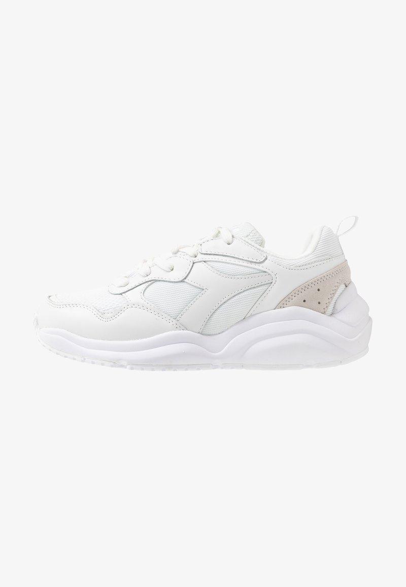 Diadora - WHIZZ RUN - Sneakersy niskie - white