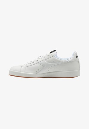 GAME - Trainers - white
