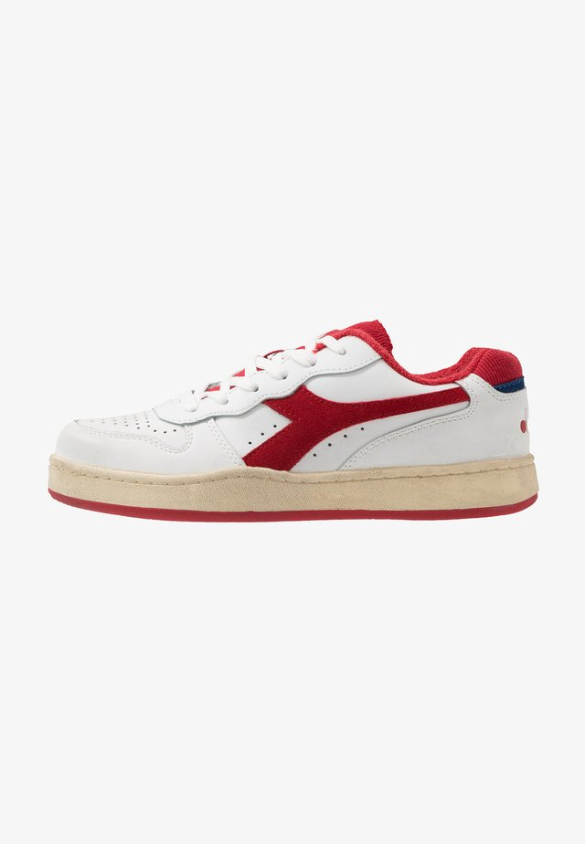 BASKET USED - Sneakers laag - white/tomato puree