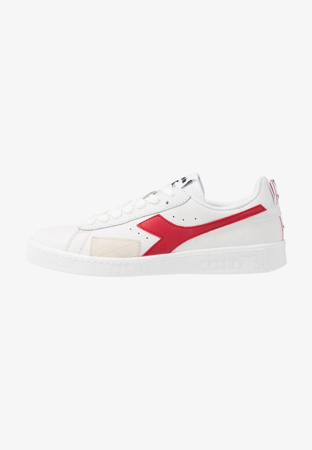 GAME DISTORTION - Baskets basses - white/red pepper
