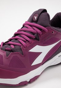 Diadora - SPEED BLUSHIELD FLY 2 AG - Kengät kaikille alustoille - boysenberry/perfect plum/wht - 5