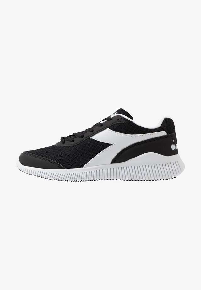 EAGLE 3 - Chaussures de running neutres - black/white