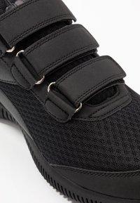 Diadora - EAGLE 3 - Sportieve wandelschoenen - black - 5