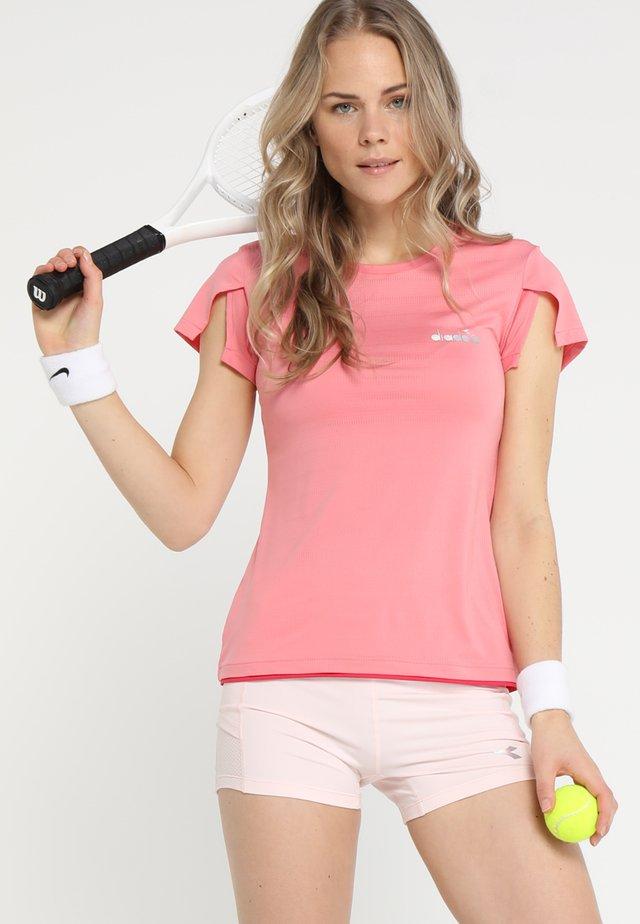 T-shirts med print - pencil pink