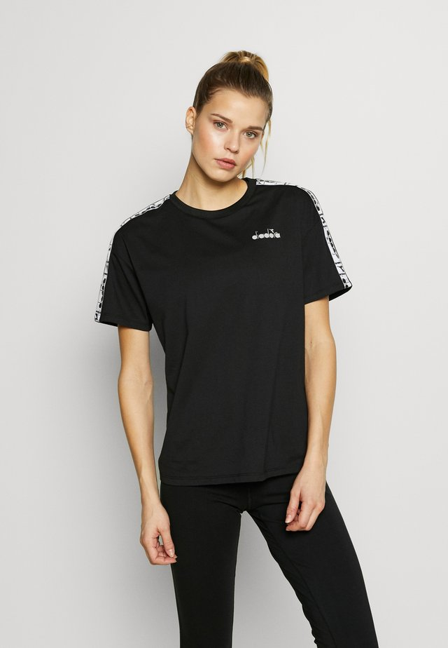 PLUS BE ONE - T-shirt imprimé - black