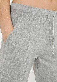 Diadora - CUFF PANTS CORE - Træningsbukser - light middle grey melange - 3