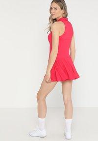 Diadora - DRESS CLAY - Sportskjole - red virtual pink - 2